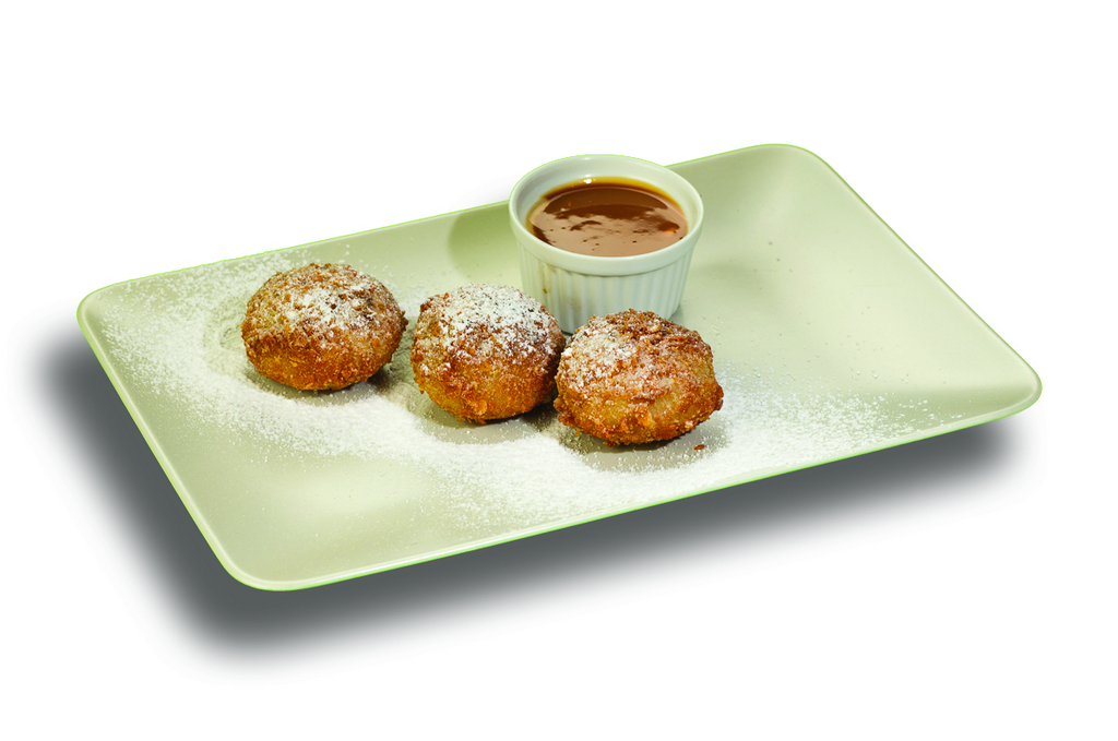 Crunchy Cottage Cheese Dumplings With Caramel
